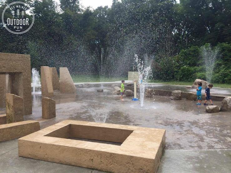 ashworth park sprayground des moines iowa