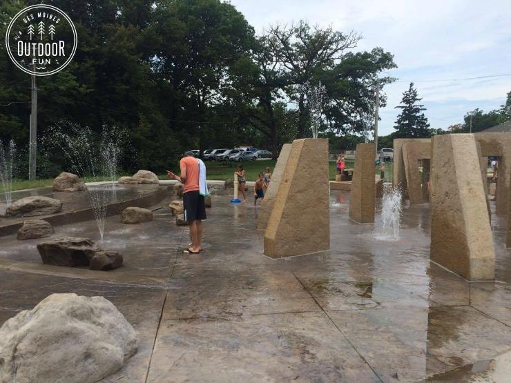 greenwood park sprayground des moines iowa