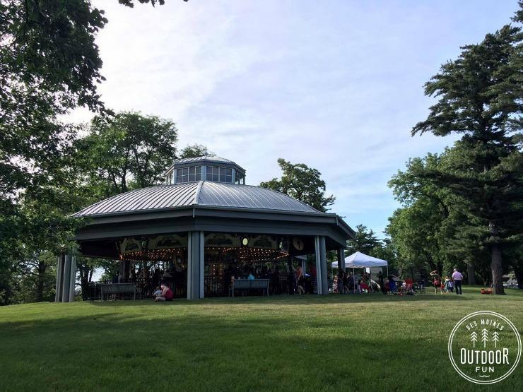 heritage carousel at union park des moines iowa