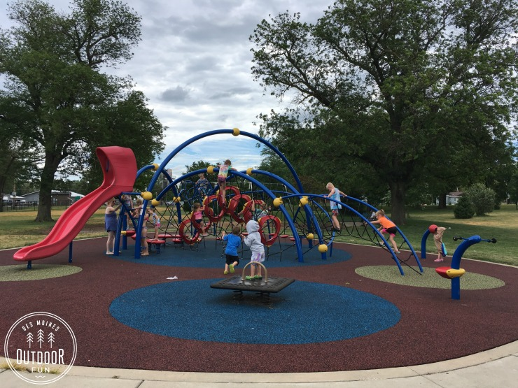 pete crivaro park and wading pool des moines iowa (3)