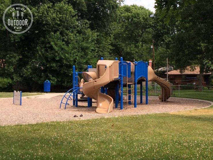 woodlawn park and fountain des moines iowa (5)