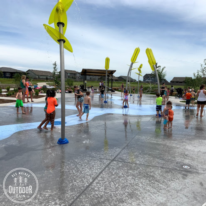 Fox Creek Splash Pad, Fox Creek Park, waukee, Iowa, Des Moines, Park